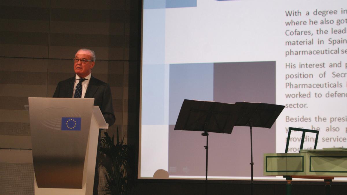 El presidente de Cofares, Carlos González Bosch, en el Parlamento Europeo.