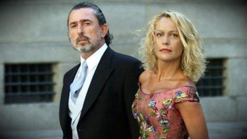 Carmen Rodríguez Quijano, junto a su ex marido Francisco Correa, en la boda de Ana Aznar.