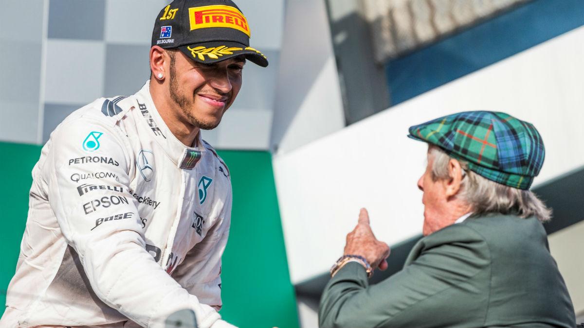Jackie Stewart no está nada contento con el comportamiento de Lewis Hamilton en Abu Dhabi. (Getty)