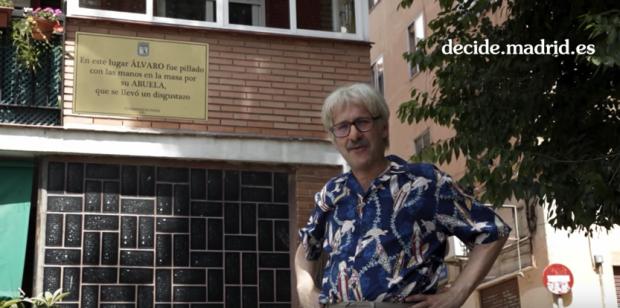 El actor manchego lanza la idea de placas para abuelos. (Foto: YT)