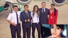 Ximena Suárez (d) y el resto de la tripulación del avión siniestrado.
