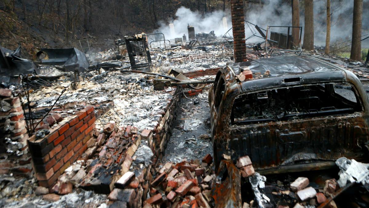 Efectos del devastador incendio forestal (Foto: AFP).