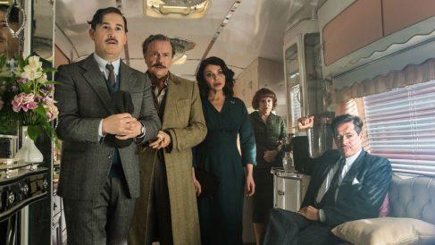 el elenco de 'La reina de España' es brillante aunque es el único punto a favor de una película aburrida y tediosa.