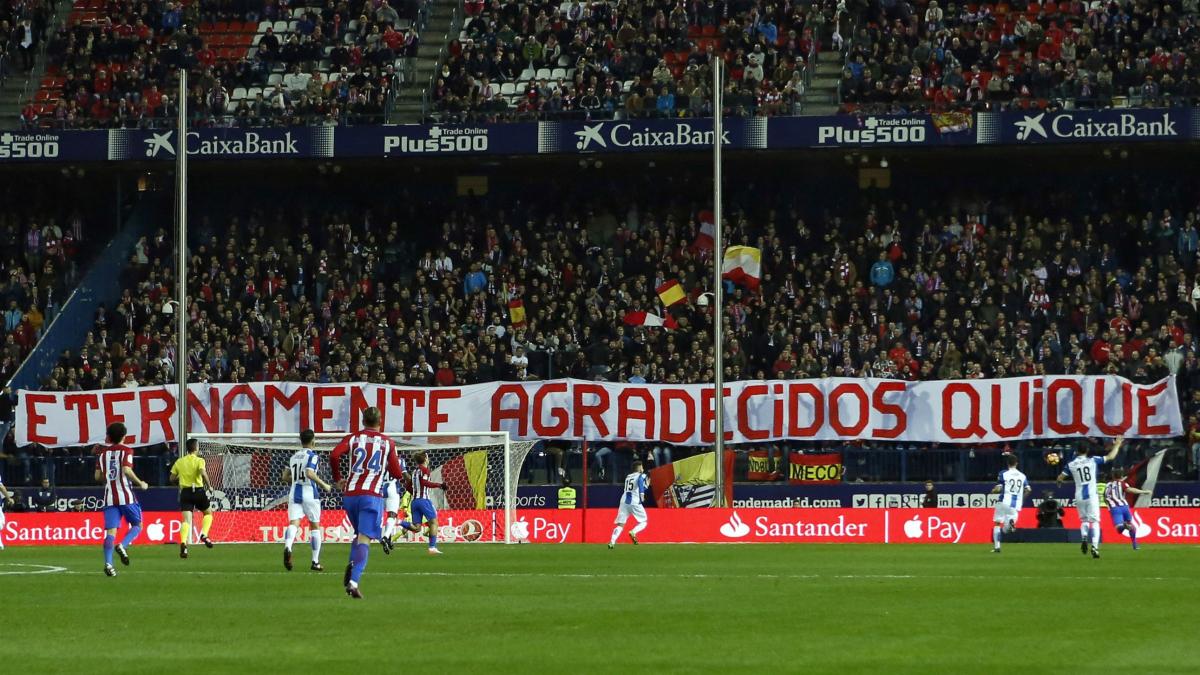 El Vicente Calderón homenajea a Quique Sánchez Flores