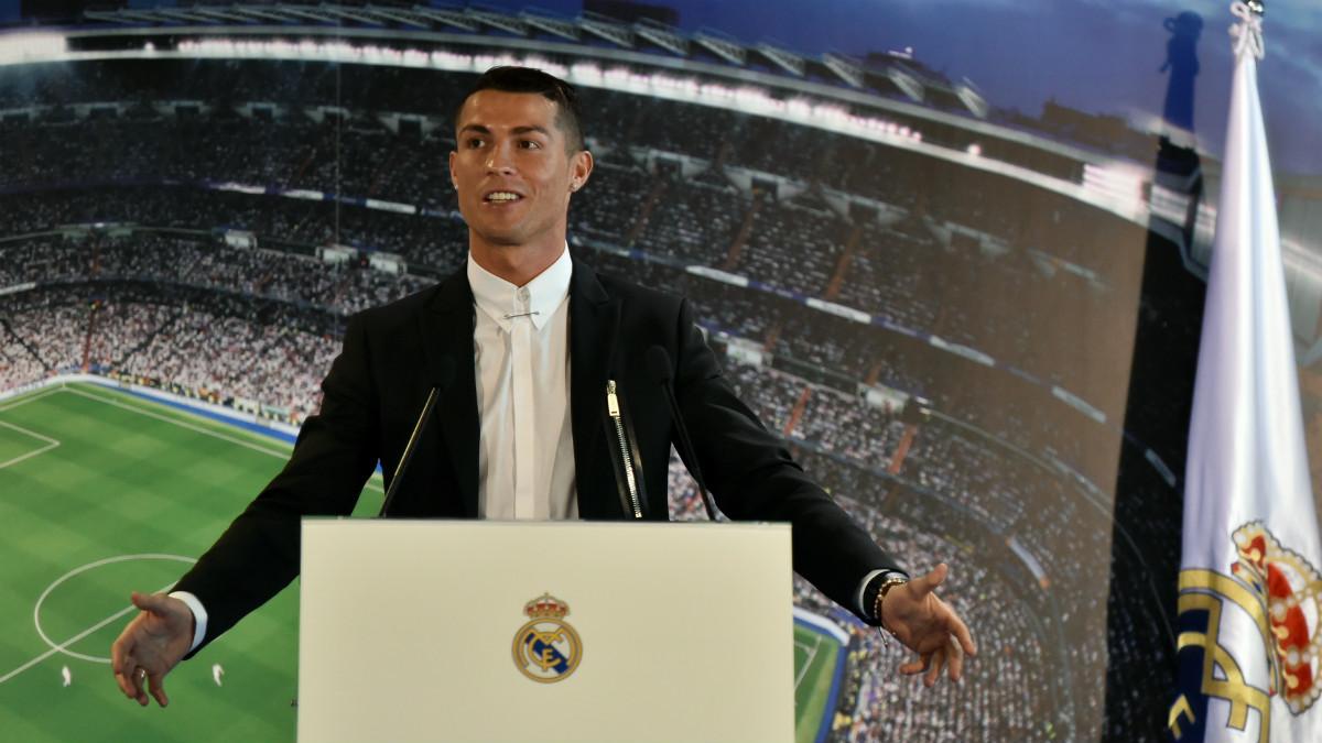 Cristiano Ronaldo renovó con el Real Madrid hasta 2021. (AFP)