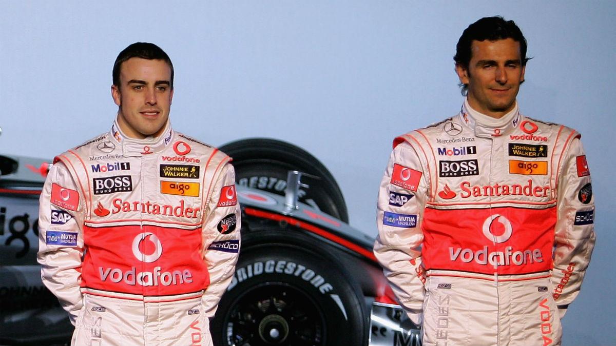 Pedro Martínez de la Rosa opina que Alonso tiene un 50% de opciones de ir a Mercedes. (Getty)