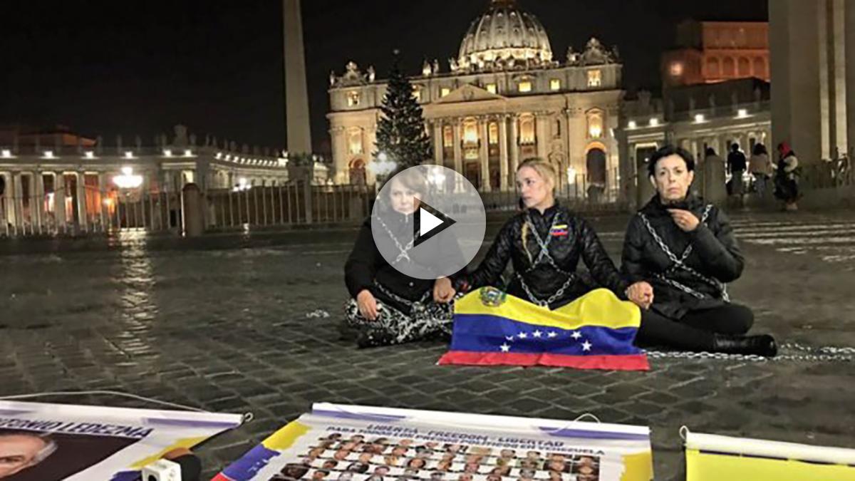 Lilian Tintori encadenada en el Vaticano.