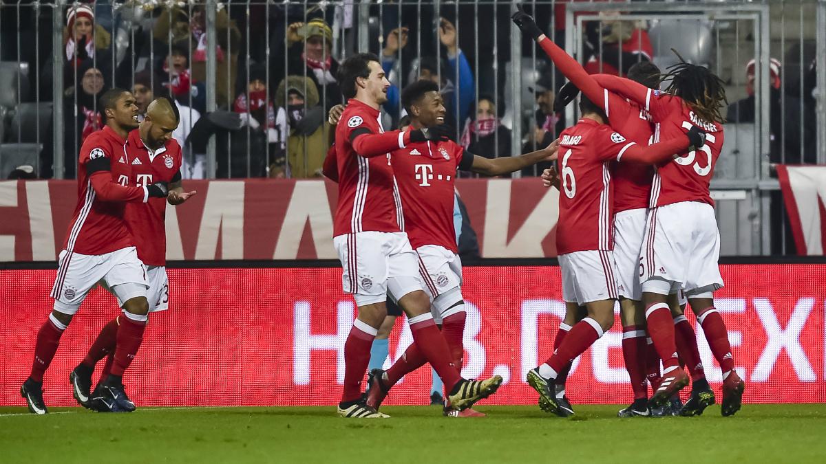 Los futbolistas del Bayern celebran el tanto de Lewandowski ante el Atlético