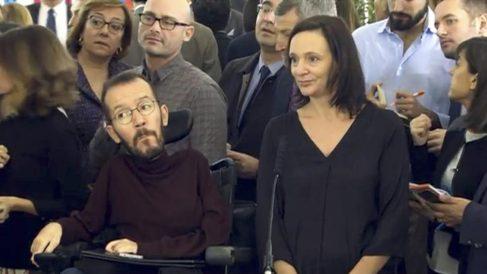 Carolina Bescansa y Pablo Echenique, este martes en el Congreso.