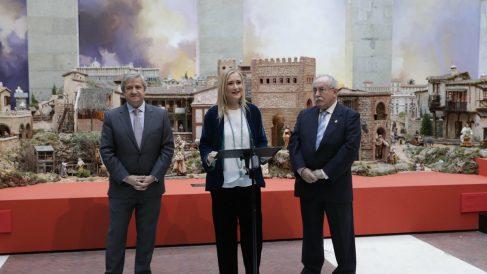 A diferencia de Carmena, Cristina Cifuentes sí ha inaugurado el Belén de la Real Casa de Correos. (Foto: Comunidad).