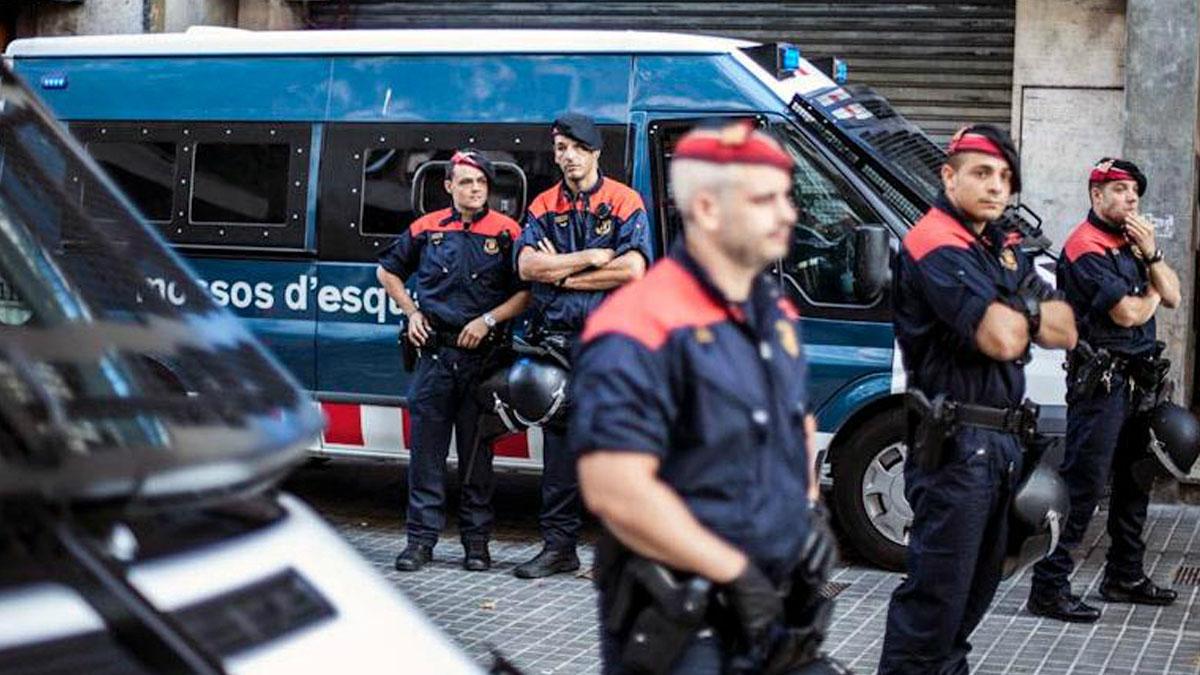 Mossos d'Esquadra en una reciente imagen. (Foto: EFE)