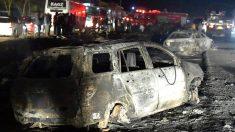 Imagen de los vehículos afectados por la explosión (Foto: AFP).