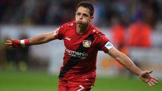 Chicharito celebra un gol con el Bayer Leverkusen. (AFP)