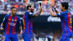 Neymar, junto a Messi y Luis Suárez. (AFP)