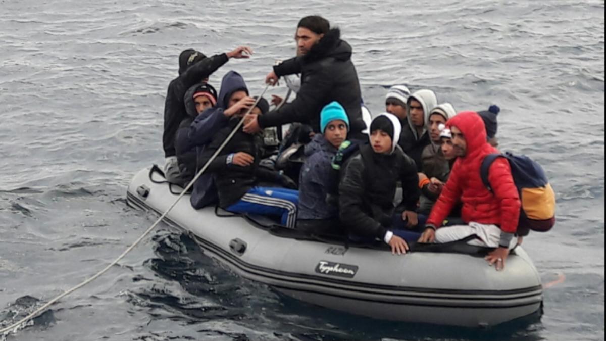 Inmigrantes ilegales en patera.