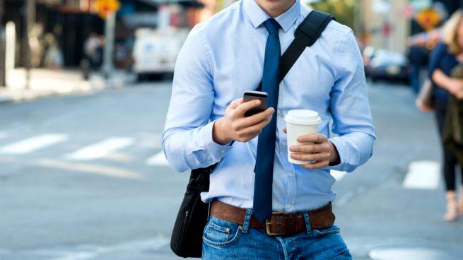 Los españoles son los europeos que más navegan por internet a través del móvil