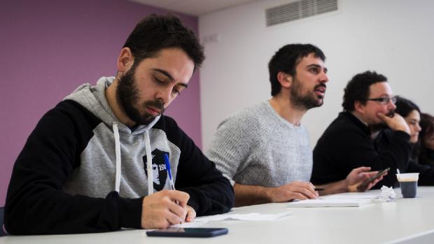 El 'black' Espinar se pasa a la vieja política: quiere cobrar cuotas a los inscritos en Podemos Madrid