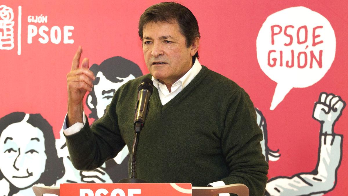 El presidente de la gestora del PSOE, Javier Fernández (Foto: Efe)