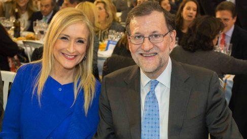 Mariano Rajoy y Cristina Cifuentes. (Foto: Alberto Cuéllar)