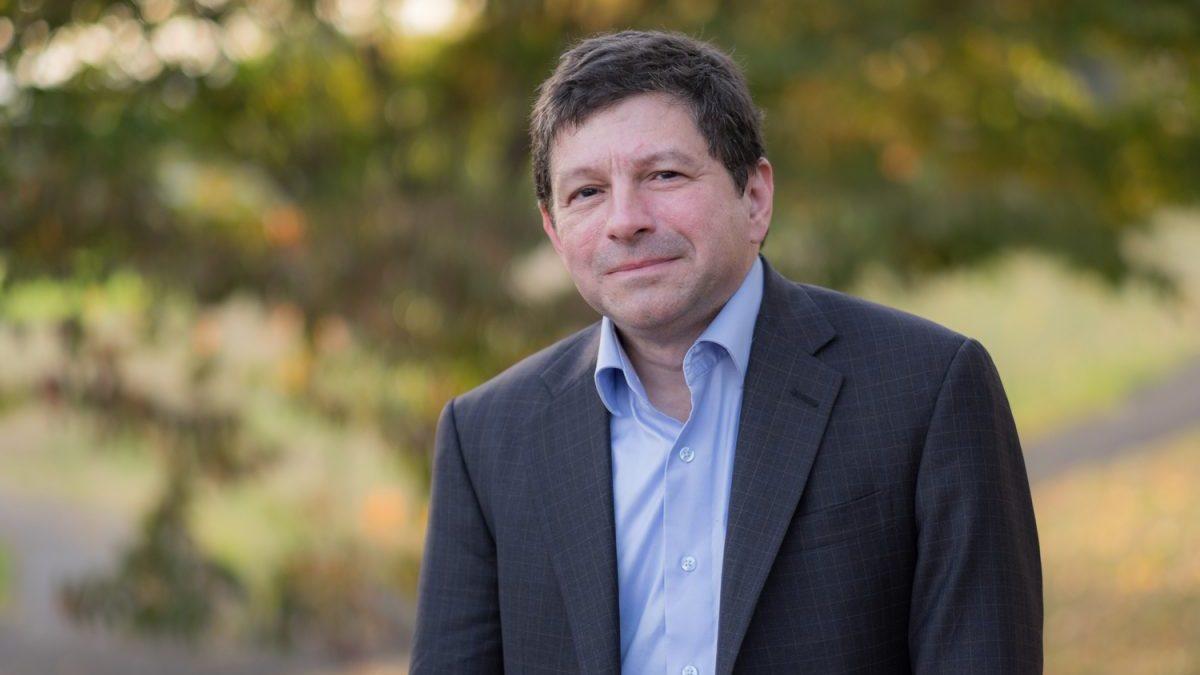 Steve Novick, concejal de Portland y autor del Proyecto de Ley de impuestos a empresas (Foto: Steve Novick)
