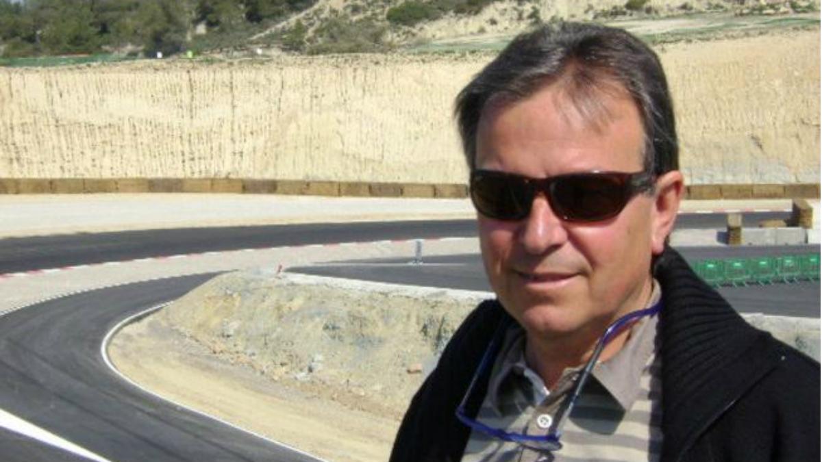 Ángel Viladoms posa en un circuito.