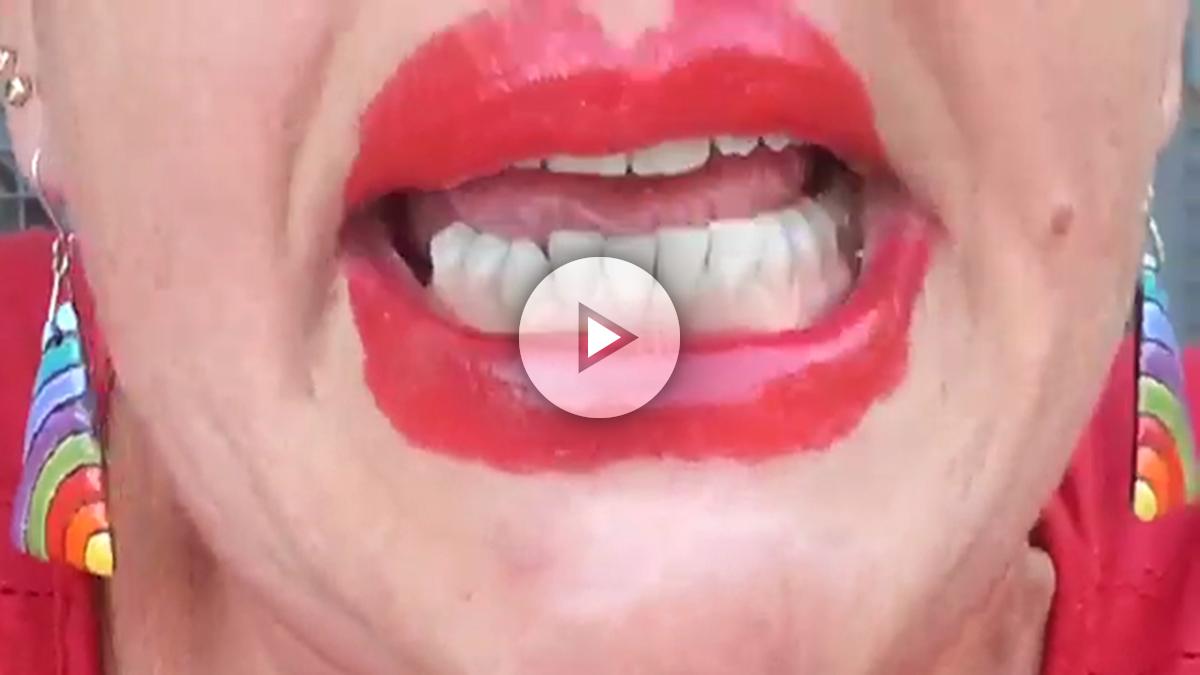 María Eugenia Sánchez, en el vídeo enviado a los docentes del colegio que dirigía en Sevilla.