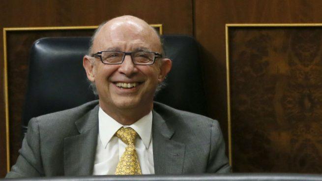 Montoro quiere seguir sacando tajada con el impuesto de loterías, que anunció en 2012 como temporal