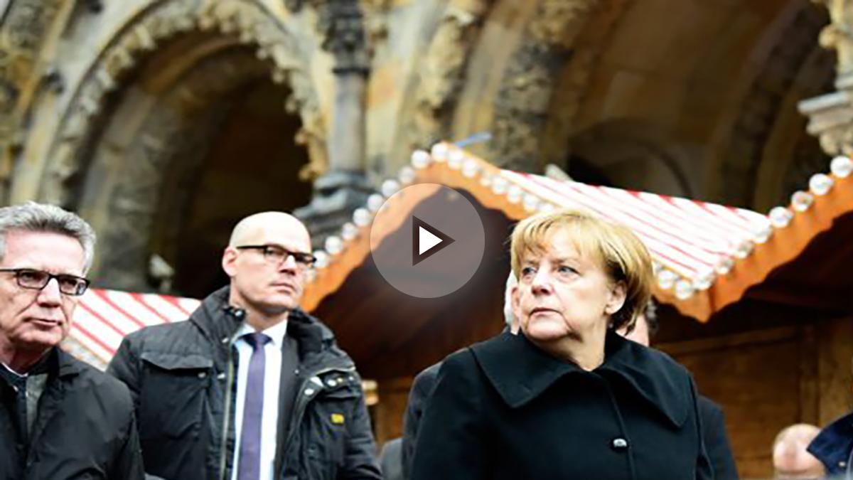 Angela Merkel visita el lugar del atentado. (Foto: AFP)