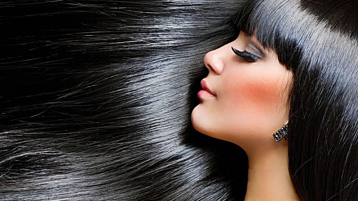 Peeling casero para el cuero cabelludo: mil beneficios para tu melena