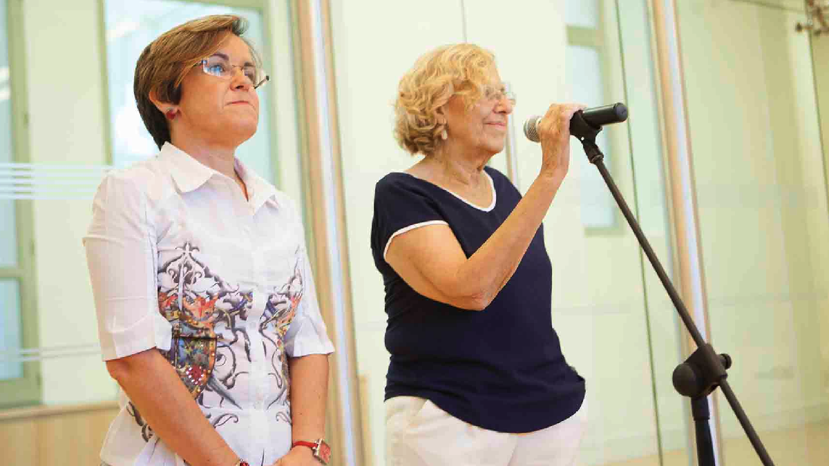 Purificación Causapié y Manuela Carmena. (Foto: Madrid)