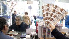 Administración de lotería en Bilbao. (Foto: EFE)