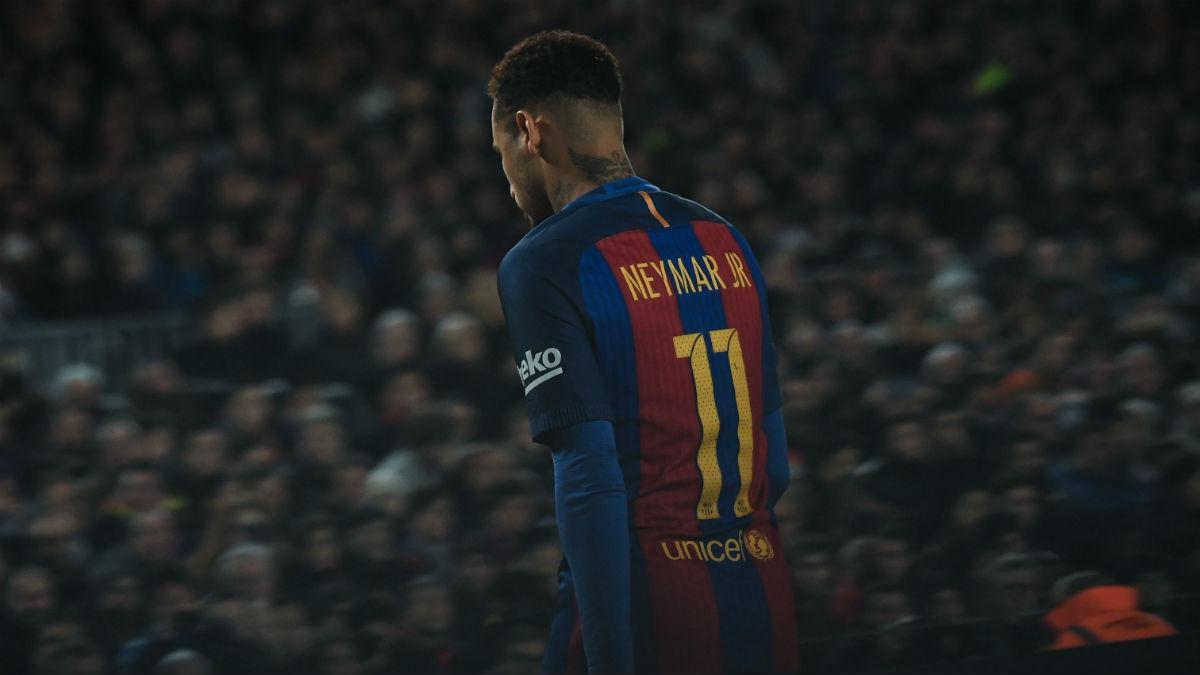 Neymar, sustituido en un partido de Liga. (Getty)