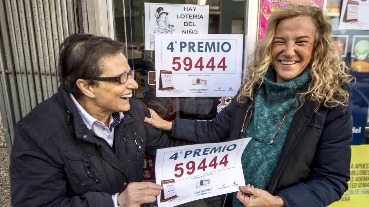 Uno de los cuartos premios, vendido en el establecimiento de prensa y lotería de Pilar Díaz en Toledo. (Foto: EFE)