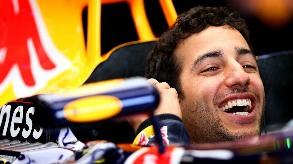Daniel Ricciardo asegura que va a cumplir los dos años que le quedan de contrato con Red Bull, sin hacer caso del hueco que a día de hoy hay en Mercedes. (Getty)