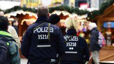 Agentes de Policía alemanes patrullan las calles de Berlín tras el atentado. (Foto: AFP)