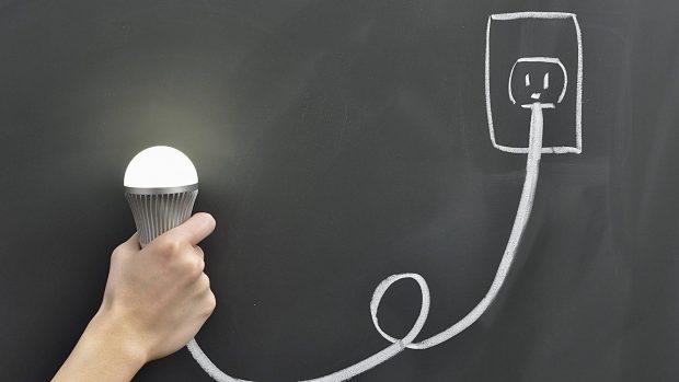 La importancia de la electricidad en casa deepthroaters for Como tener buena energia en casa