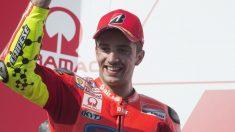 Andrea Iannone celebrando un podium. (Getty)