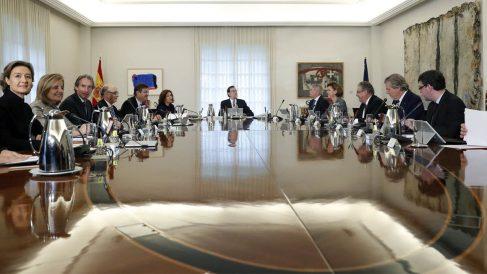 Consejo de ministros con Rajoy a la cabeza (Foto: EFE)