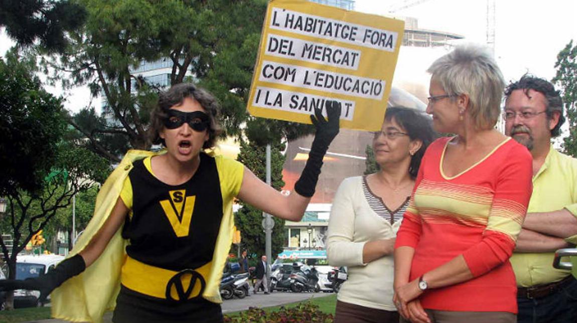 Ada Colau vestida de Supervivienda (Foto: Youtube)