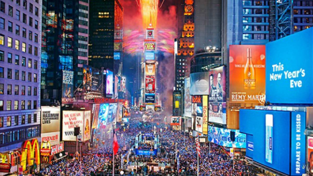 La plaza neoyorquina de Times Square durante los festejos para recibir el nuevo año. Foto: Agencias