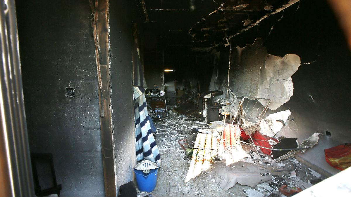 Interior de la vivienda incendiada (Foto: Efe).