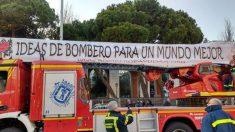 Caroza de los bomberos en la Cabalgata de Madrid 2017.