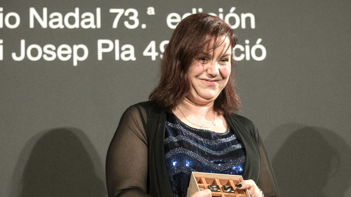 Care Santos tras recibir el premio (Foto: Efe).