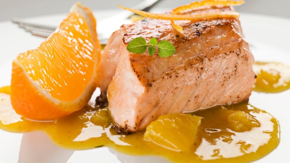 Salmón a la naranja Receta-de-salmon-en-papillote-a-la-naranja