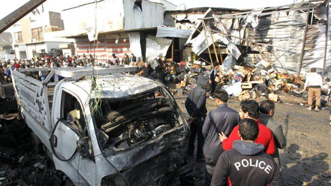 Al menos 10 muertos en un doble atentado suicida con coches bomba en Bagdad
