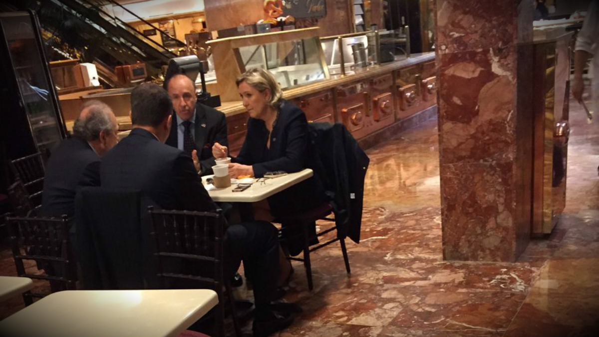 Marine Le Pen, en las instalaciones de la Torre Trump de Nueva York. (TW)