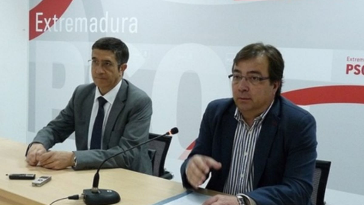 Patxi López y Fernádez Vara. (Foto: PSOE)