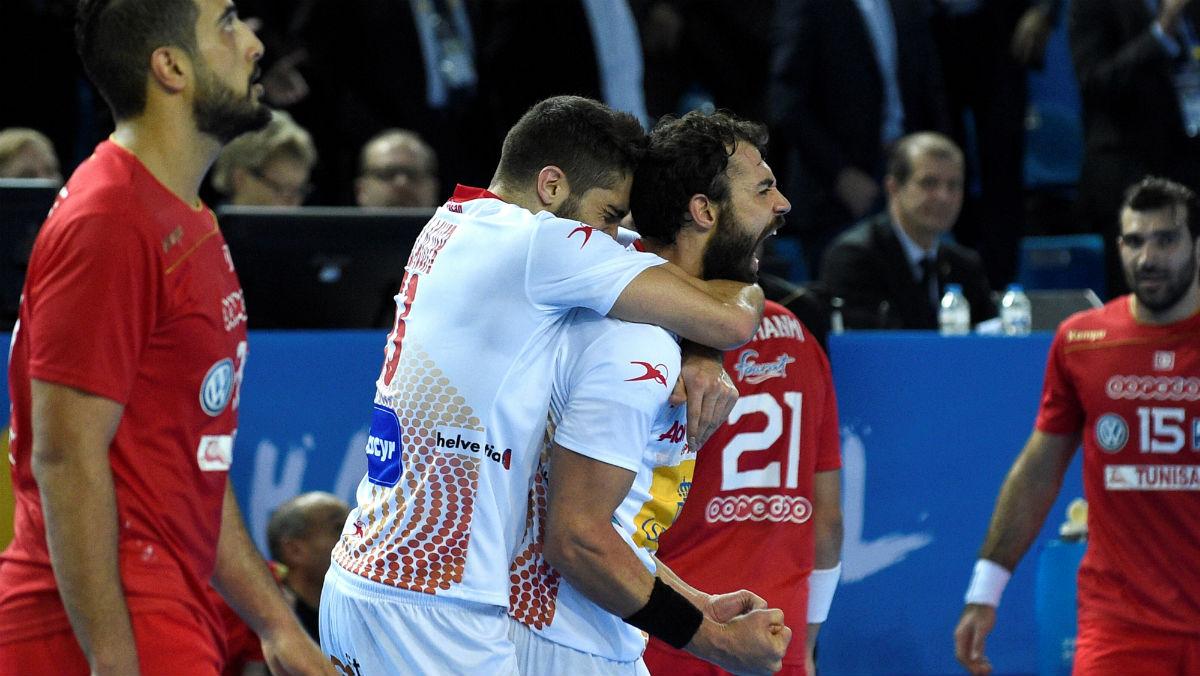 España ganó a Túnez en el segundo partido del Mundial. (AFP)