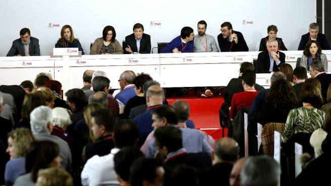 Llevan a la gestora del PSOE ante los tribunales por aprobar un Congreso «ilegal»