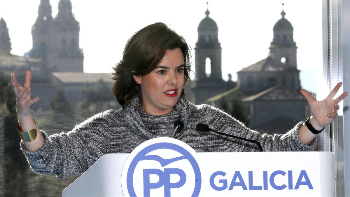 Soraya Sáenz de Santamaría, este sábado en Santiago de Compostela (Foto: Efe).